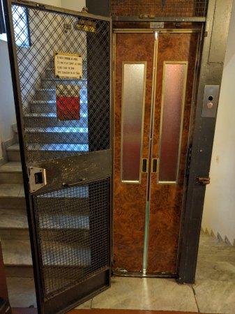 Hotel Azzurra: Aufzug