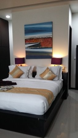 king sized bed picture of sunset mansion seminyak seminyak rh tripadvisor co uk