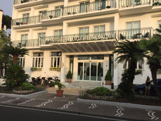 Carlton International Hotel: photo0.jpg