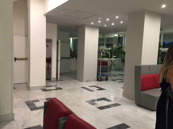 Carlton International Hotel : photo2.jpg