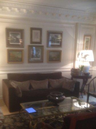 Hotel Francois 1er : Sitting Lounge area