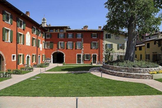 Residence Borgo Mondragon : Vista esterna