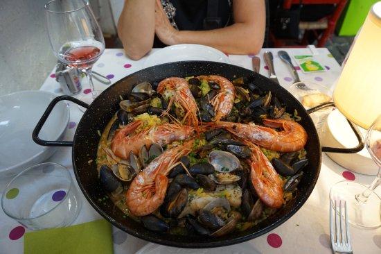 Basque Country, Francia: Paella pour deux