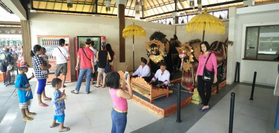 Garuda Wisnu Kencana Cultural Park: IMG20160628144740_large.jpg