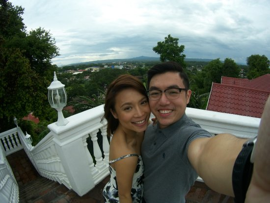 Taal, Filipinas: The veranda is a great place to ask the girl of your dreams to squish in for a selfie shot.