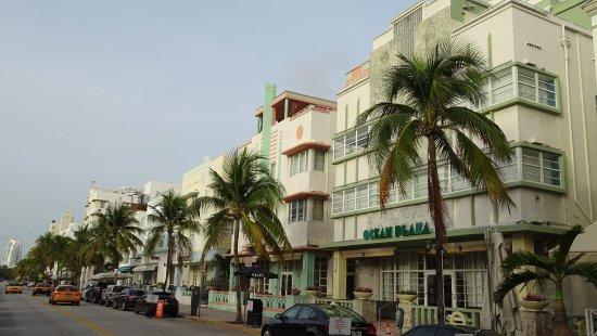 Art Deco Historic District: Deco Street