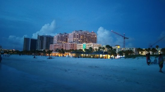 Hyatt Regency Clearwater Beach Resort & Spa: That's an unfiltered night shot of the hotel