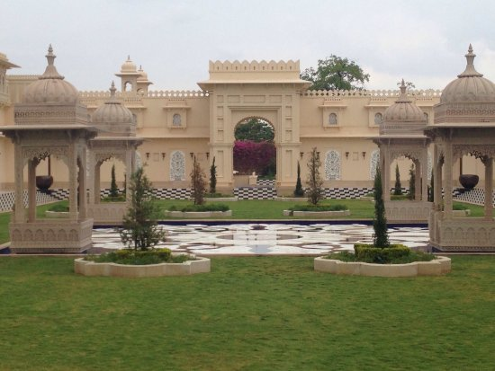 The Oberoi Udaivilas: Awe inspiring architecture... Awe inspiring views...