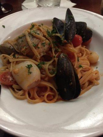 Gusto da Gianni: Seafood Linguini