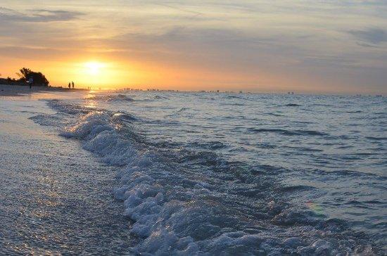 Ocean's Reach Condominiums: Sunrise