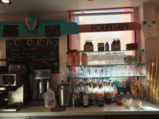 Lyon's Corner Drug & Soda Fountain: photo0.jpg
