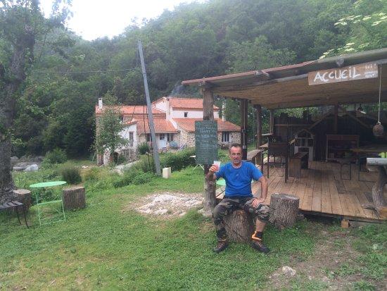 Amelie-les-Bains-Palalda, Frankrike: accueil à la cloche…!!!