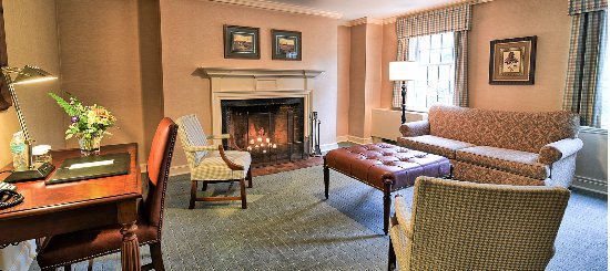 Exeter, Nueva Hampshire: Fireplace Suite Rooms with Wood Burning Fireplaces