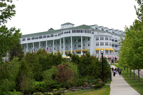 Grand Hotel: 390 rooms. ALL beautiful!
