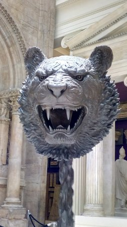 Carnegie Museum of Art : Ai WeiWei's tiger at the Carnegie Museum