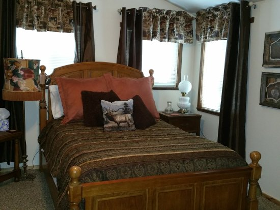 The Bailey's Bed 'n Bale: Master Suite