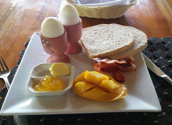 Остров Кабилао, Филиппины: American breakfast.