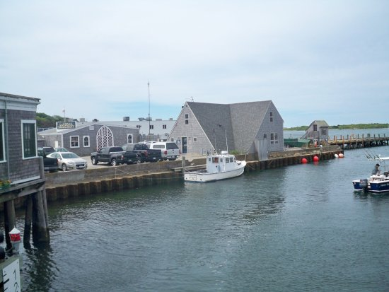 Woods Hole Oceanographic Institution: Working Harbour
