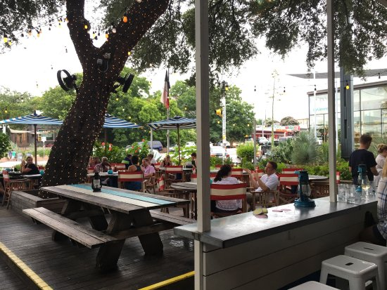 Perla's Seafood and Oyster Bar : photo1.jpg
