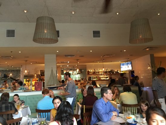 Perla's Seafood and Oyster Bar : photo2.jpg