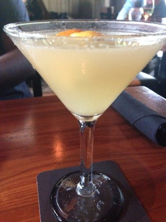 Jasper's: Happy hour is Monday through Saturday from 3pm – 7pm in the bar and patio.