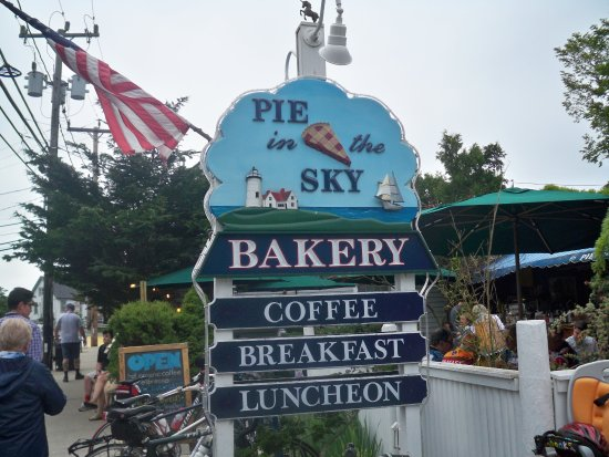 Pie In The Sky Bakery & Internet Cafe: Main Signage