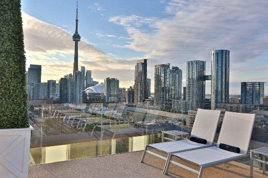 Thompson Toronto - A Thompson Hotel: Rooftop Pool