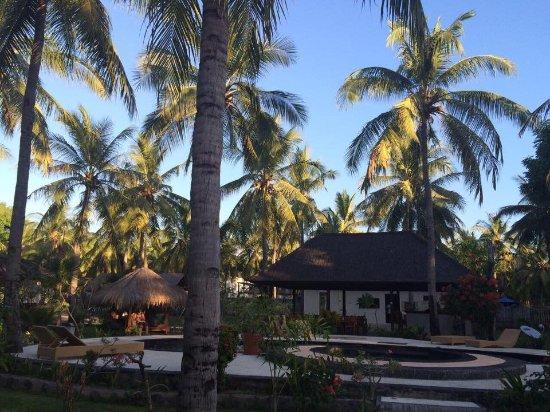 Trawangan Oasis: Outside