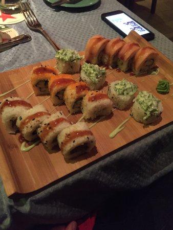 Que Pasa Restaurant Bar & Art Gallery: Rolls (all you can eat)