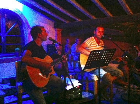 Liapades, Griekenland: Live Music at Medusa Bar