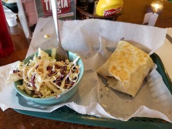 Beachtown Grill: Amazing grilled chicken wrap!