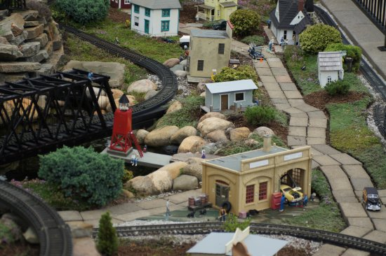 Castle Farms: Train Display