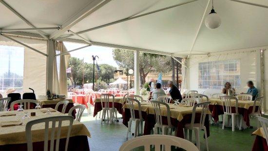 Il terrazzo coperto - Picture of Ristorante Rey Oasi, Costa Rei ...