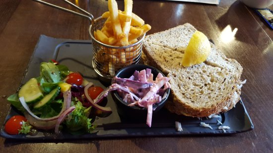 The Galleon Inn: Tuna Mayo - gorgeous.