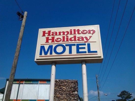 Hamilton, AL: sign