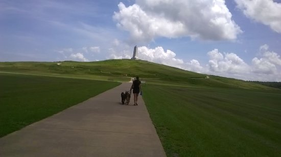 Wright Brothers National Memorial: Walking toward the Memorial Monument on top of the Dune