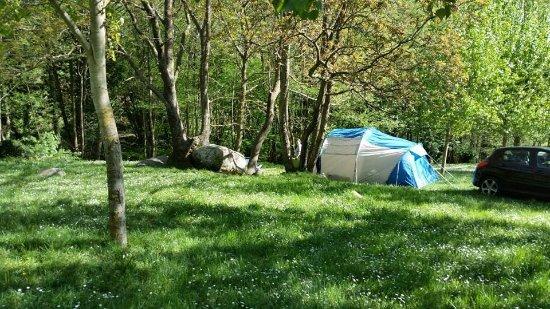 Camping les illes montseny espagne voir les tarifs et for Piscinas del montseny
