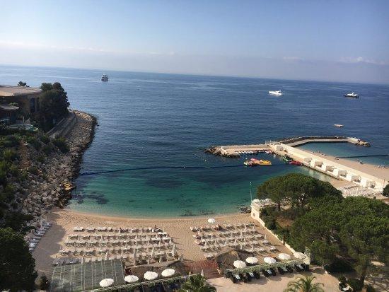 Luxury hotels in Monaco - Le Meridien Beach Plaza pool