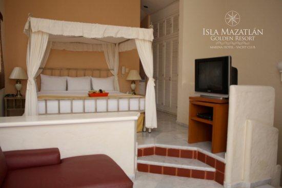 Isla Mazatlan Golden Resort: Recamara Principal / Master Bedroom