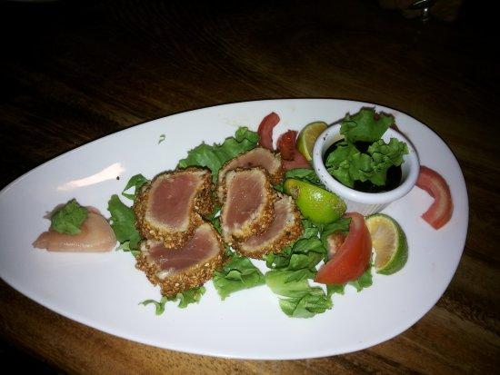 Hotel La Colina: Tuna Bites with sesame seeds