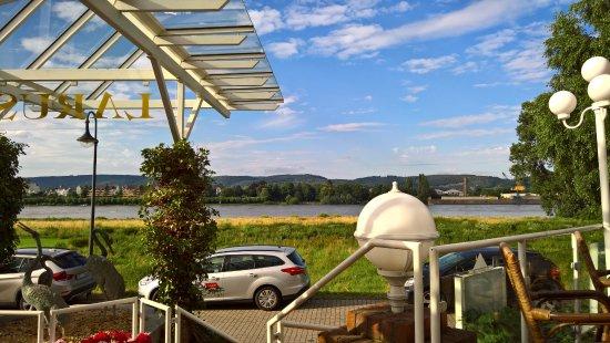 Kaltenengers, Deutschland: Blick von der Terrasse
