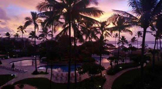 Kauai Beach Resort: Sunrise from room 2444.
