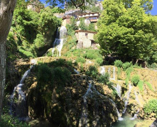 Orbaneja del Castillo, إسبانيا: Preciosisimooooooo!!!!