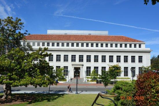 University of California, Berkeley: Учебный корпус