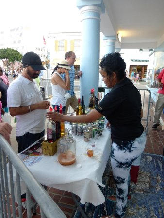 Hamilton, Islas Bermudas: Free Liqure Tasting