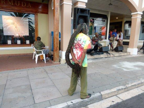 Hamilton, Bermuda: Must Be A Local