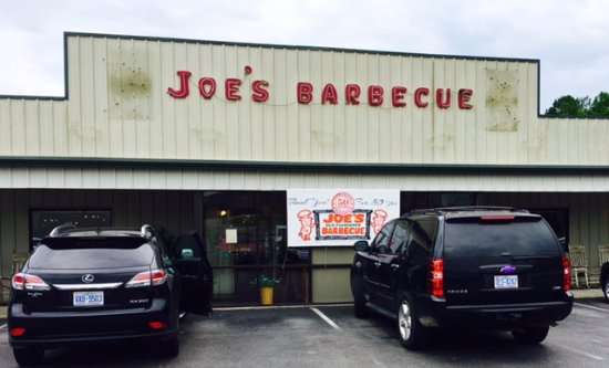 Joe's Old Fashioned Barbecue: The outside