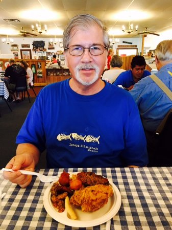 Joe's Old Fashioned Barbecue: Buffet plate