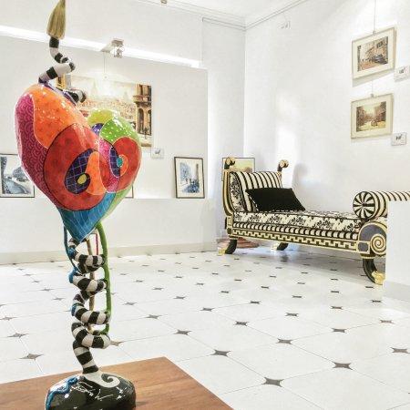 Magpie International Art Gallery