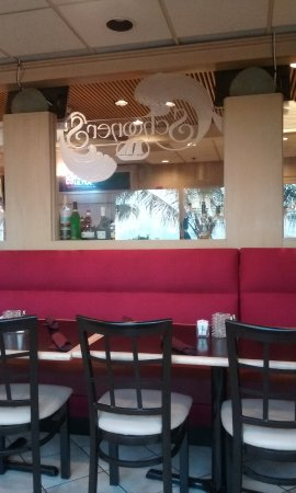 Schooners: Behind the bar seating, Schooner's